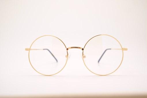 対人恐怖症の私は眼科で検査員をしております